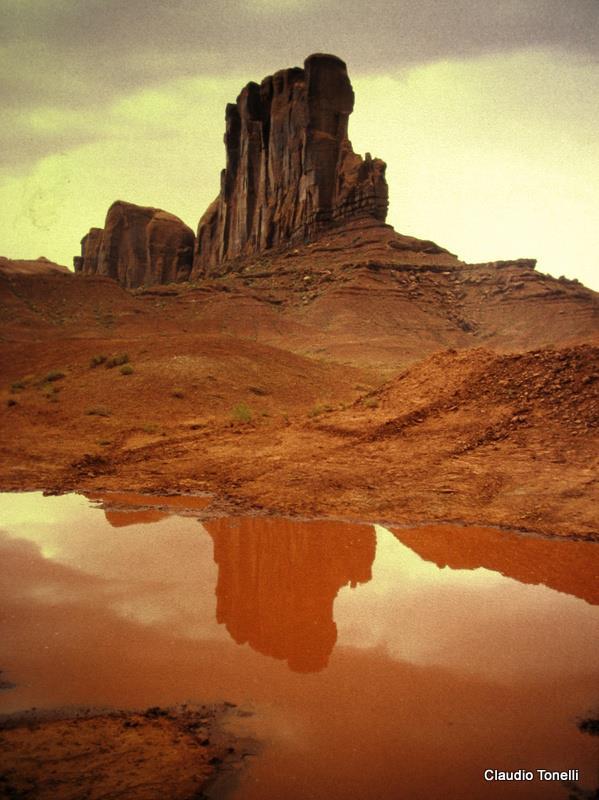 desert mirror claudio t